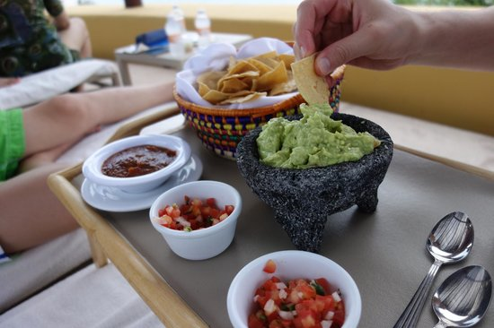 Four Seasons Resort Punta Mita: gluten free chips, guacamole and salsa-delivered poolside!