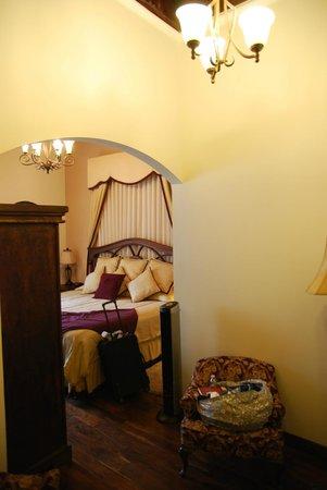 Hotel la Catedral: Corner room