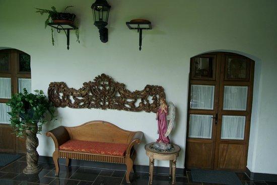 Hotel la Catedral: Room doors & sitting area 