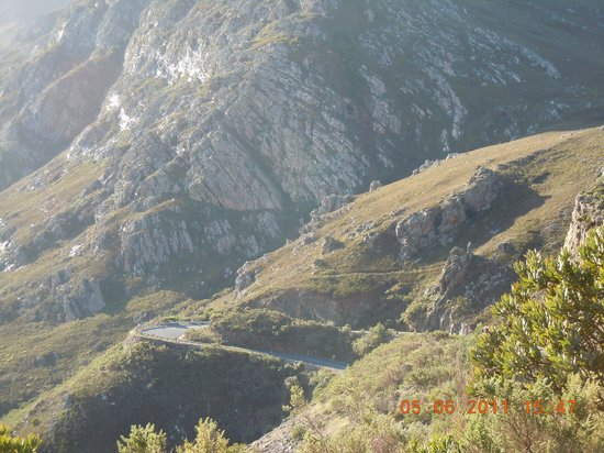 Franschhoek Pass: Winding Mountain Pass