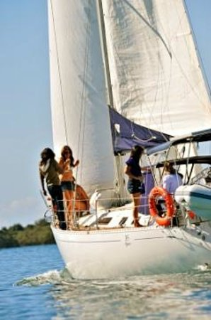 Getaway Sailing on the Gold Coast: Cruising the Gold Coast Broadwater