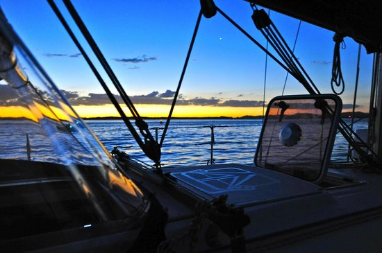 Getaway Sailing on the Gold Coast: A sunset anchorage