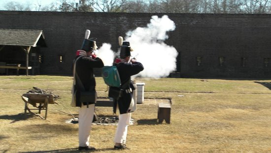 Old Fort Jackson: Musket presentation
