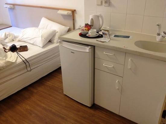 Eden Jerusalem Hotel: room