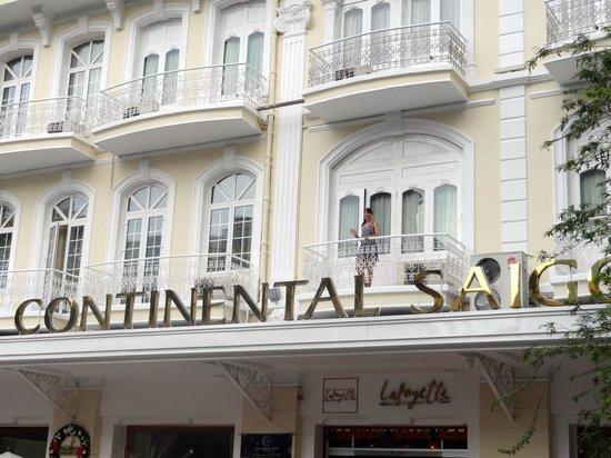 Hotel Continental Saigon: street view