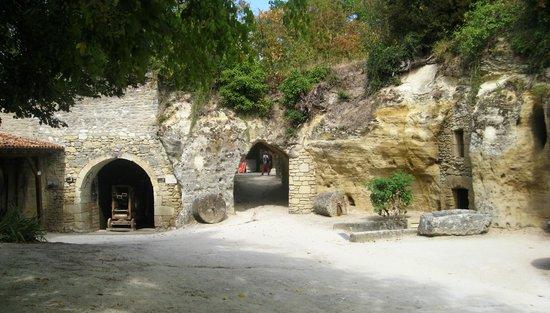 Cave Museum, Village Troglodytique de Rochemenier