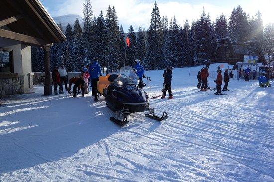 Creekside at Solitude : snowmobile shuttle to the ski school