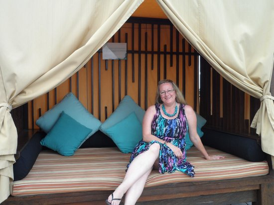 The ONE Legian: Cabana around pool