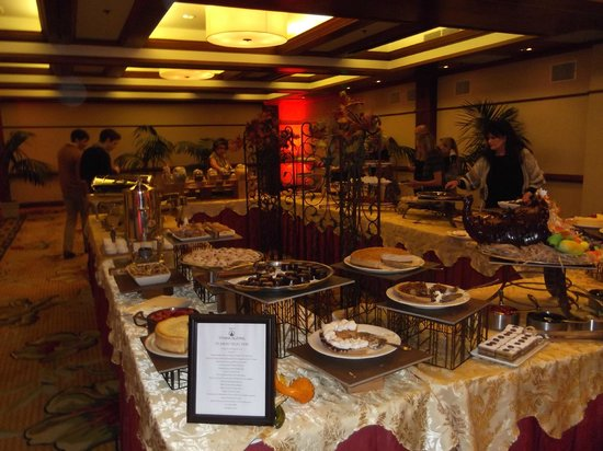 Crown Room at Hotel Del Coronado: The feast
