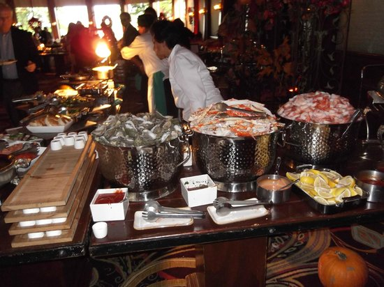 Crown Room Brunch at Hotel del Coronado: Crab,prawns and other shell fish
