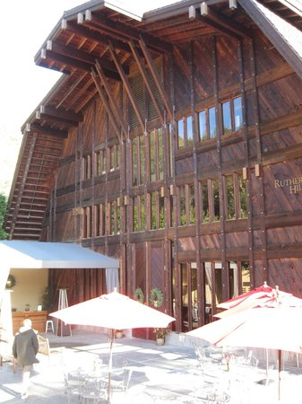 Rutherford Hill Winery: Entrance to the gift shop and wine tasting room