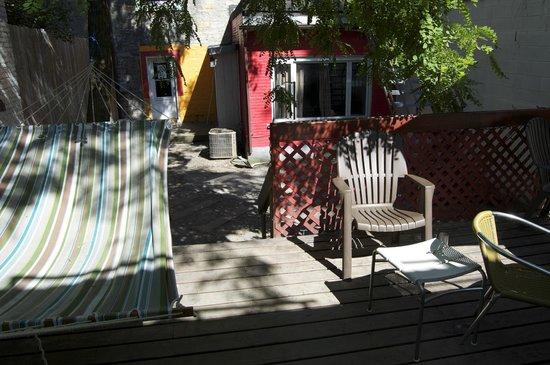 Hotel Jazz: Back garden