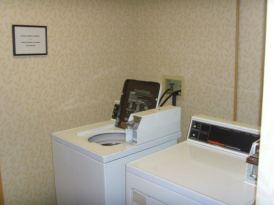 Comfort Inn Mechanicsburg/Harrisburg - South: Guest Laundry Room