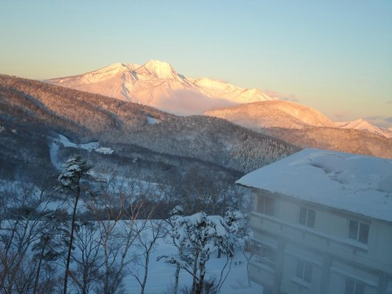 Madarao Kogen Hotel: View of sunrise visible from the room