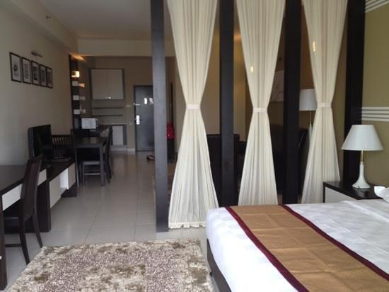Bayu Marina Resort: from balcony to the maindoor