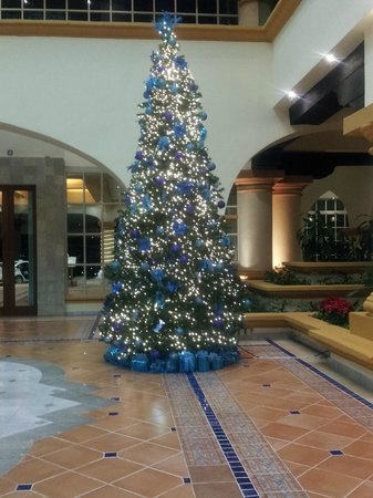 Heaven at the Hard Rock Hotel Riviera Maya: Christmas in the Lobby