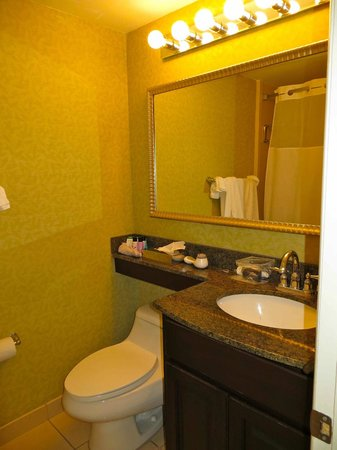 Treasure Bay Resort & Marina: Bathroom