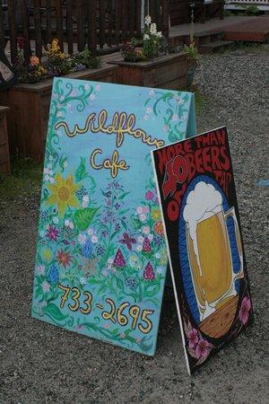 Wildflower Cafe: Signage
