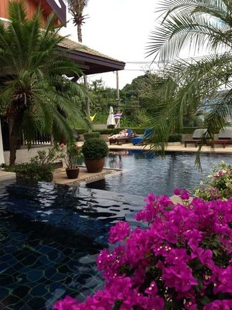 Baan Yin Dee Boutique Resort: The beautiful pool area , still good !