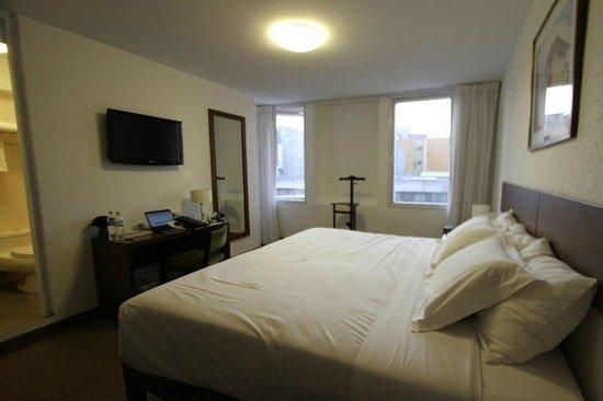 Tierra Viva Arequipa Plaza Hotel: Large size room