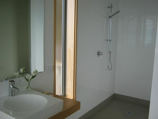 Big Sky Nelson: B&B Ensuite, Spacious Shower