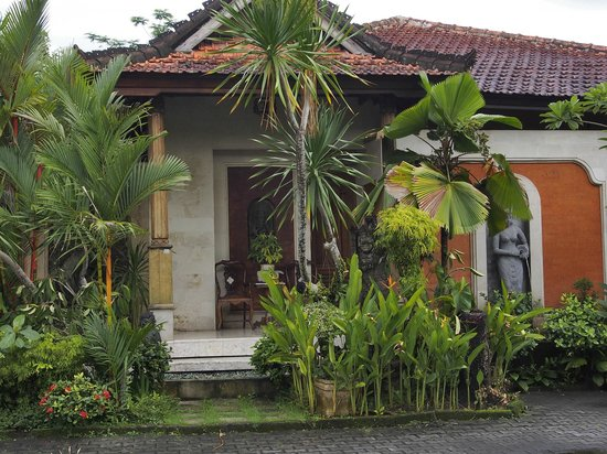 Taman Harum Cottages: Room exterior