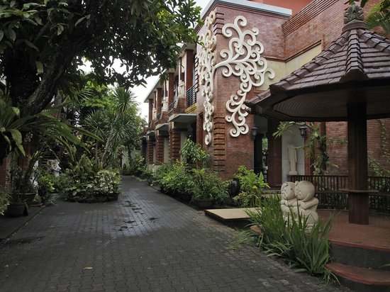Taman Harum Cottages: Entrance area
