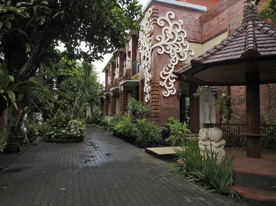 โรงแรมตามาน ฮารุม คอทเทจส์: Entrance area