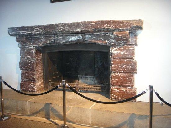 Bergrestaurant Kehlsteinhaus: The original fireplace