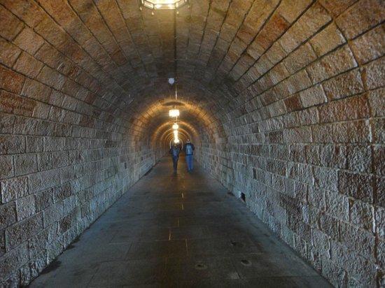 Bergrestaurant Kehlsteinhaus: Tunnel leading to elevator