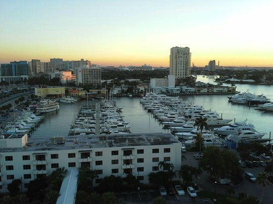 Bahia Mar Fort Lauderdale Beach - a Doubletree by Hilton Hotel: HARBOR VIEW