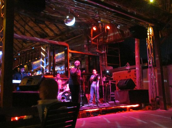 Fusion Hotel: Night life with live band 