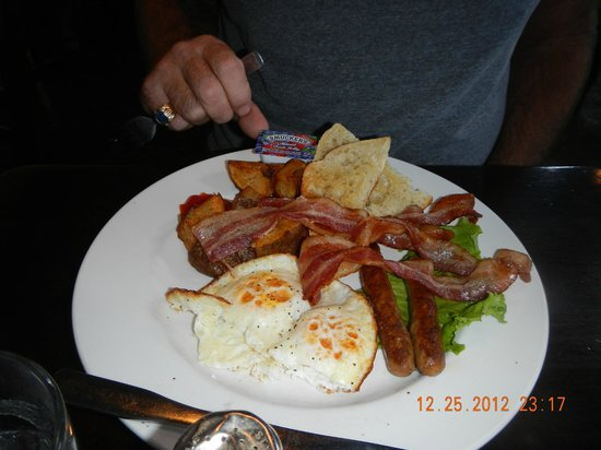 Colleen's at the Cannery: bacon eggs sourdough muffin