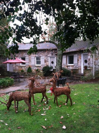 Chanticleer Inn Bed and Breakfast : Courtyard