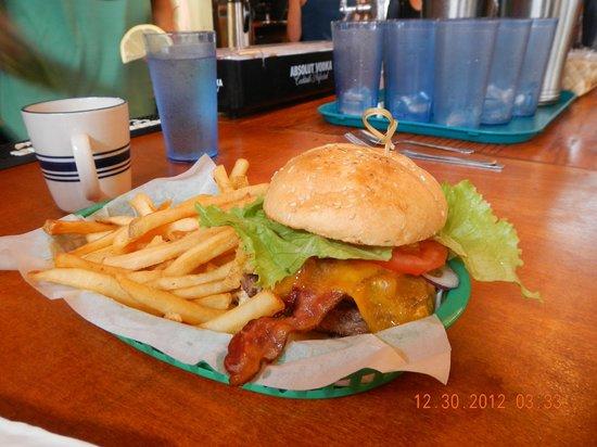 Cafe Mambo: bacon cheese burger