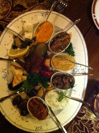 Ravintola Istanbul Oriental: meze