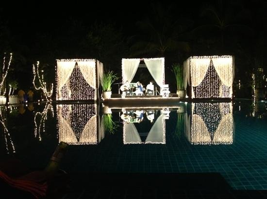 The Sarojin: New year dinner by the pool