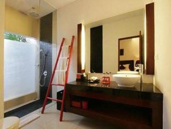 كامار كامار روماه تامو - بوتيك هوتل: Bath Room
