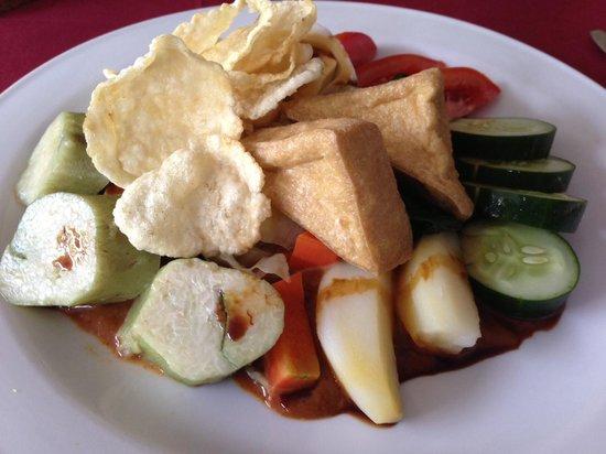 Caramel Restaurant at Kamuela Villas Sanur : Gado-gado Rp.25,000