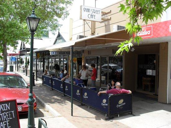 Main Street Cafe: street
