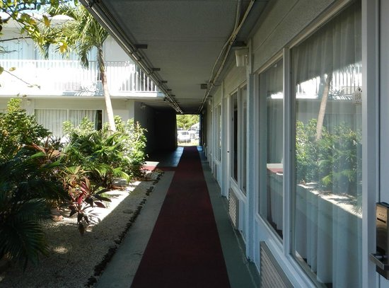 Ramada Fort Lauderdale Airport/Cruise Port: outside of room