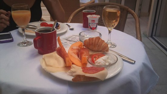 Hotel Croatia: Завтрак