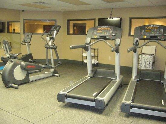 Wingate by Wyndham Little Rock: Gym equipment