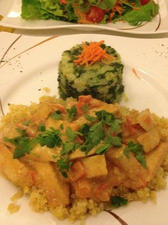 Loving Hut : Parmentier pommes de terre épinards, quinoa et Tofu en sauce