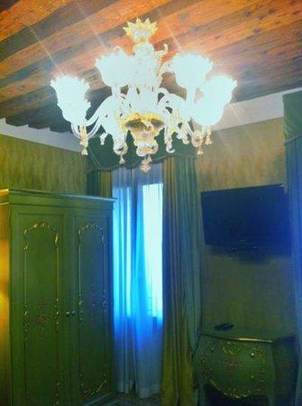 Hotel Al Ponte Mocenigo: chambre
