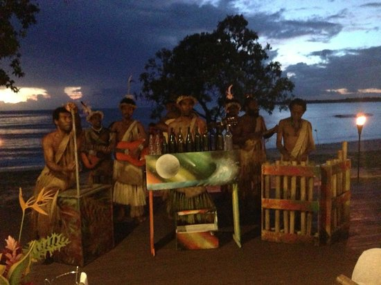 Eratap Beach Resort: The cultural show at dinner