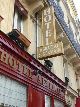 Hotel Abbatial Saint Germain: insegna