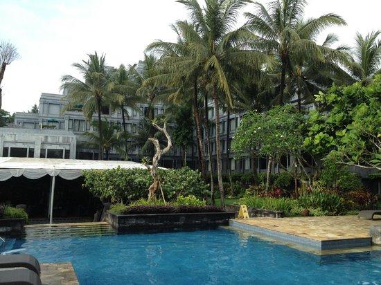Hyatt Regency Yogyakarta: view of pool area