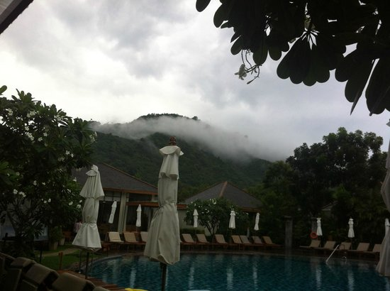 Metadee Resort and Villas: View from the breakfast area