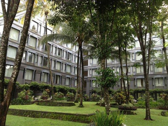 Hyatt Regency Yogyakarta: Garden compound of Hyatt Regency at Yogjakarta